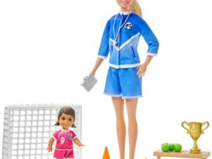 """Barbie """"you can be anything"""" tienerpop: voetbaltrainer"""
