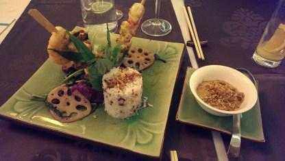 Good Morning Vietnam Ente, Fleischspieße, Garnelen und Saté Sauce