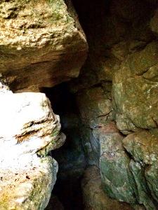 Entrée grotte du Mont Verdun