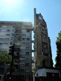 Fun building in Paris 11ème