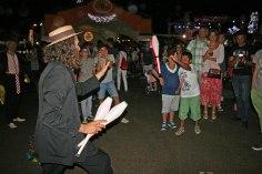 gap-circus-artisti-circensi-birraesound-2014-leverano-trampolieri-facepainting-giocolieri (27)