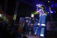 gap-circus-gambalunga-project-birraesound-leverano-2014-facepainting-bodyart-stiltwalker-trampolieri-festa-manifestazione-sputafuoco (84)