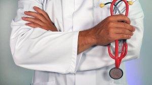 spezia-salute-dottore