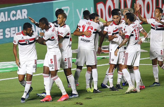 São Paulo vence o Bragantino e é líder isolado do Grupo B no Paulistão 2021