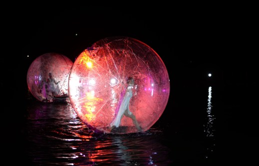 Onde Océane, Floating bubble show