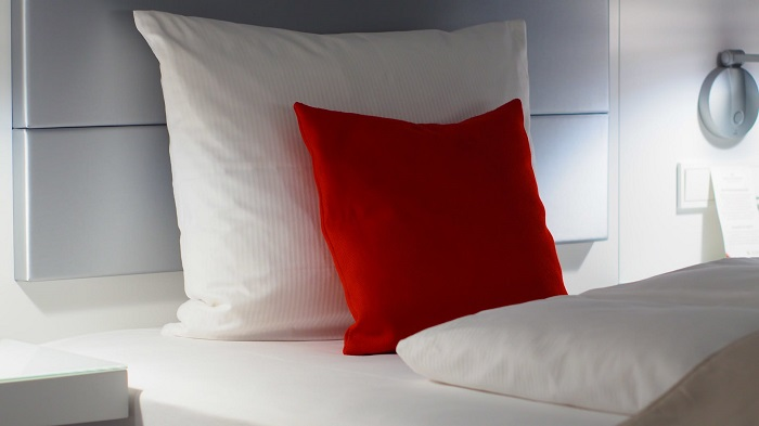 learn how to make yellow pillows white
