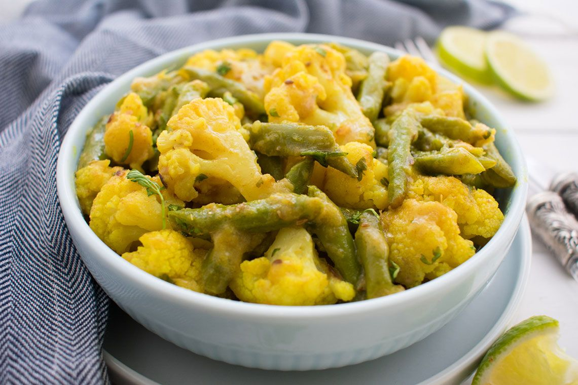 Easy vegetable coconut curry