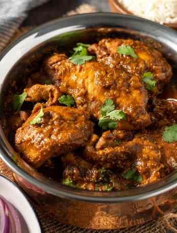 Easy Chicken Vindaloo curry in 30 minutes