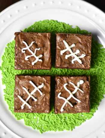 This recipe for 4-ingredient Nutella brownies is simple, quick, and still leads to fudgy, chewy andgooey brownies. This recipe needs justall-purpose flour, Nutella (Hazelnut Spread), eggs and chocolate chips. Walnuts optional. By Spice Cravings #food #foodie #foodblogger #delicious #recipe #instantpot #recipes #easyrecipe #cuisine #30minutemeal #instagood #foodphotography #tasty
