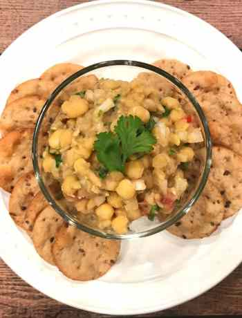Matar chaat, Mutter Chaat or Pigeon Peas Dip by Spice Cravings. This is one of the most popular street food you'll find in New Delhi.  This quick and tasty dish is served as a chaat (snack) with crackers, and also makes for a fulfilling meal when served with a side of Naan or Kulcha. #food #foodie #foodblogger #delicious #recipe #instantpot #recipes #easyrecipe #cuisine #30minutemeal #instagood #foodphotography #tasty