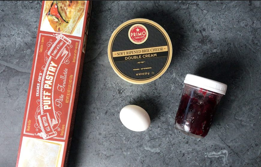 4-ingredients needed for Baked brie in Puff Pastry