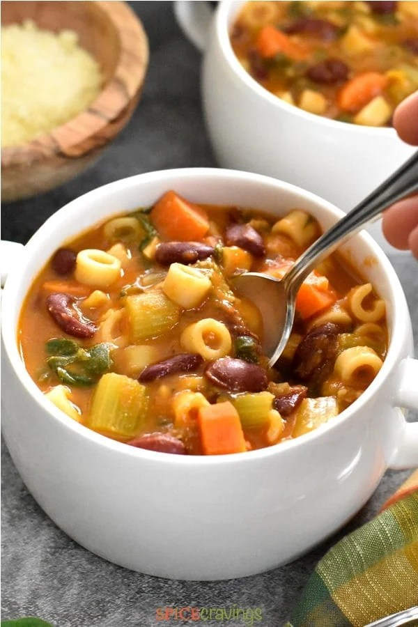Hearty Pasta Fagioli Soup with Beans, pasta, spinach and root vegetables