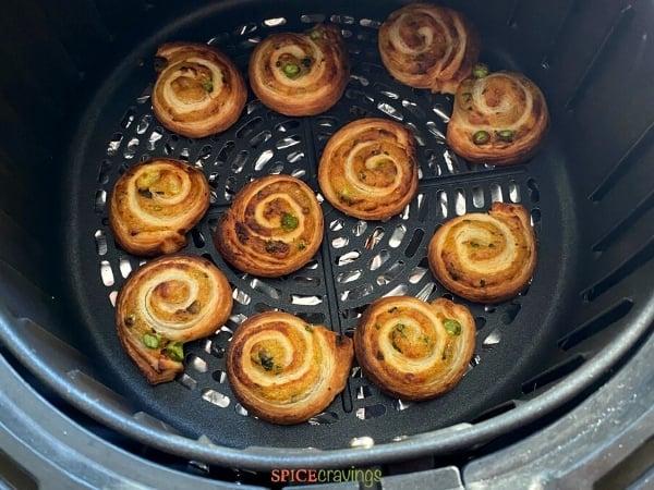 baked samosa pinwheels in airfryer