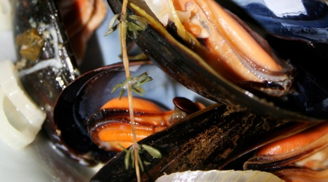 Steamed Mussels with Tarragon and Shallots