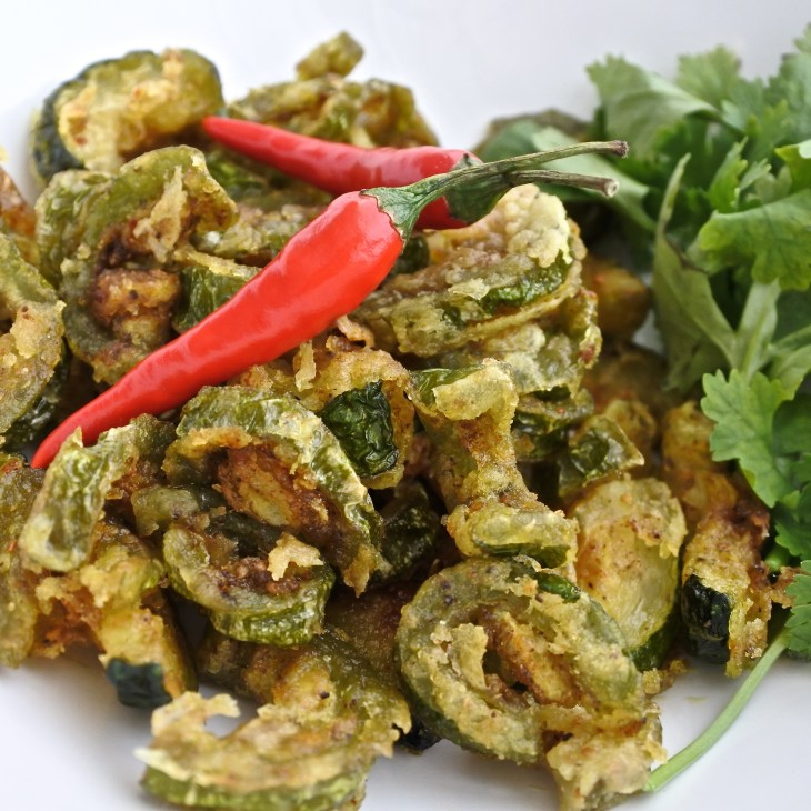 karela chips with red chilis