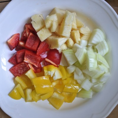 chopped bell peppers, onions and pineapples