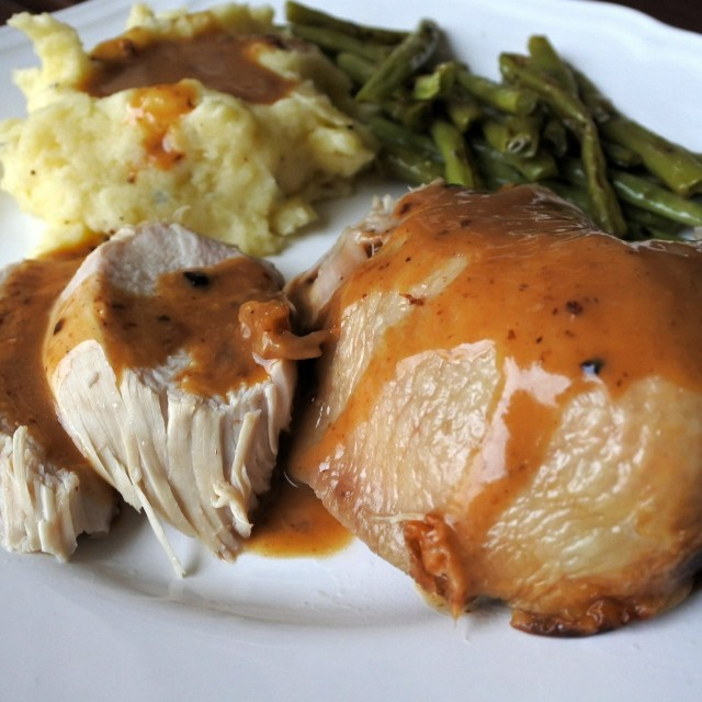 Roast chicken, mashed potatoes and green beans with gravy