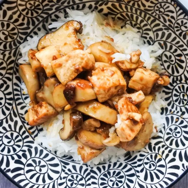 Tofu and Mushrooms in Soybean Sauce 13