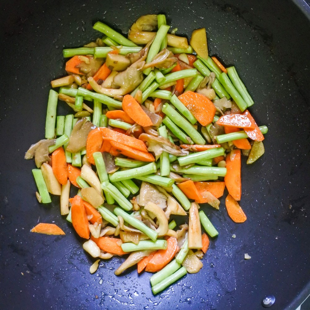 Thai Inspired Lemongrass Chicken Stir Fry Spicepaw