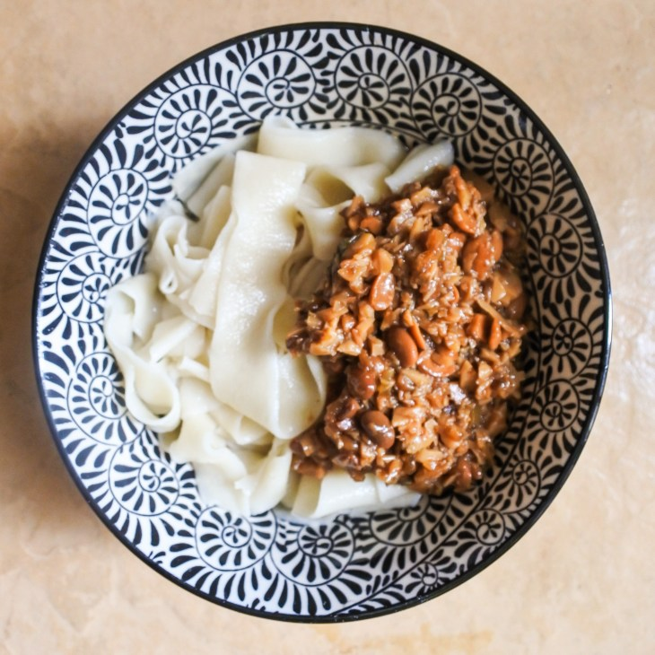Chinese noodles with fried soybean sauce