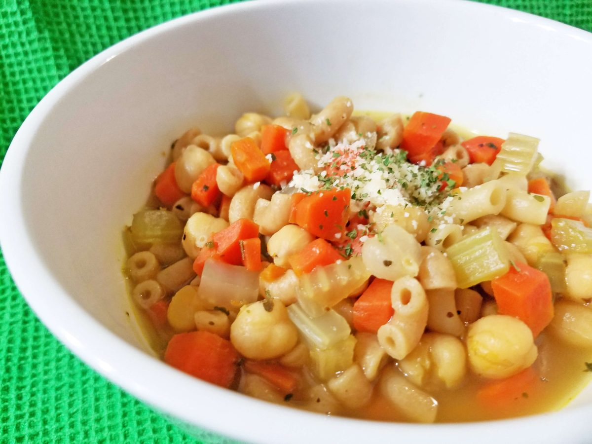 Vegetarian chickpea pasta soup