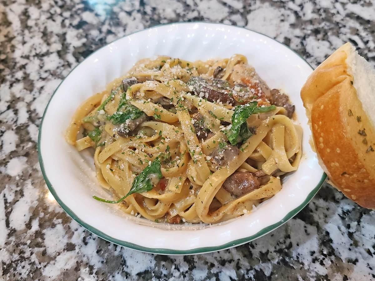 One-Pot Creamy Mushroom Pasta