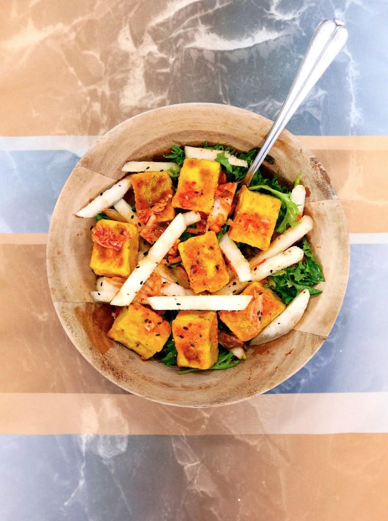 Superfood Tofu kimchi salad