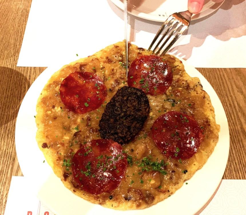pica pica hk morcilla omelete
