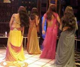 Life Of Mumbai Bar Dancers - जिंदगी बार डांसर कीः ...