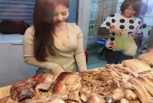 Girl Selling Meat Little Peach Becomes New Internet Sensation In Taiwan