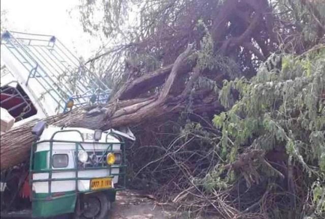 Image result for यूपी में तेज तूफान