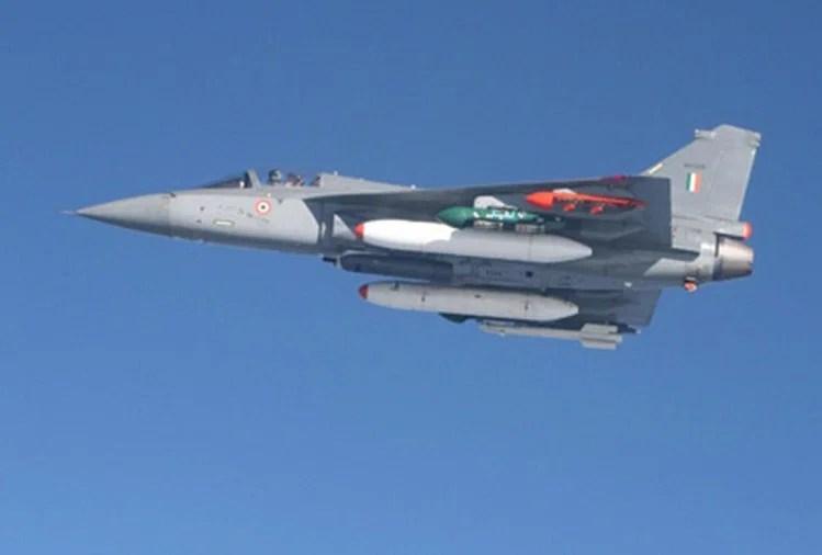 तेजस खरीद सौदा : मार्च 2024 में मिलेगा भारतीय वायुसेना को पहला विमान