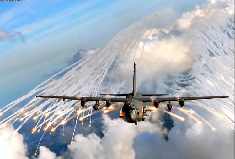 अफगानिस्तान : अमेरिकी बलों ने तालिबान पर किए हवाई हमले