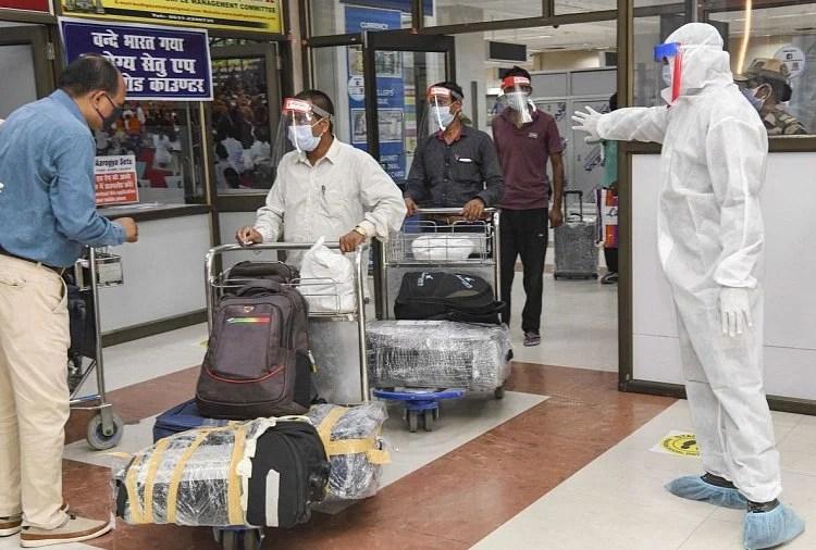 यात्रियों को दिया जाएगा डिजिटल वैक्सीनेशन पासपोर्ट, हेल्थ और टेक ग्रुप कर रहे हैं काम
