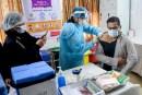 भारत में अब तक कितने लोगों पर दिखा वैक्सीन का साइड-इफेक्ट, क्या अस्पताल में भी भर्ती होना पड़ा?