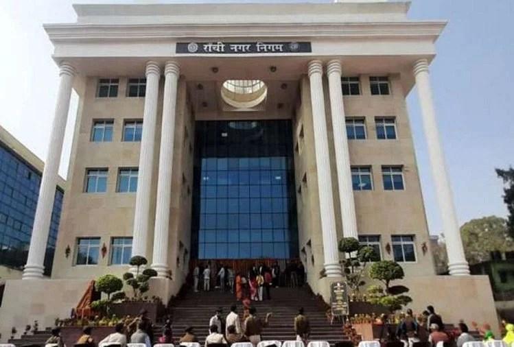 निगम प्रशासन निदेशालय: 12वीं पास अभ्यर्थियों के लिए निकली हैं सीधी भर्तियां, वेतन 75000 रुपये तक