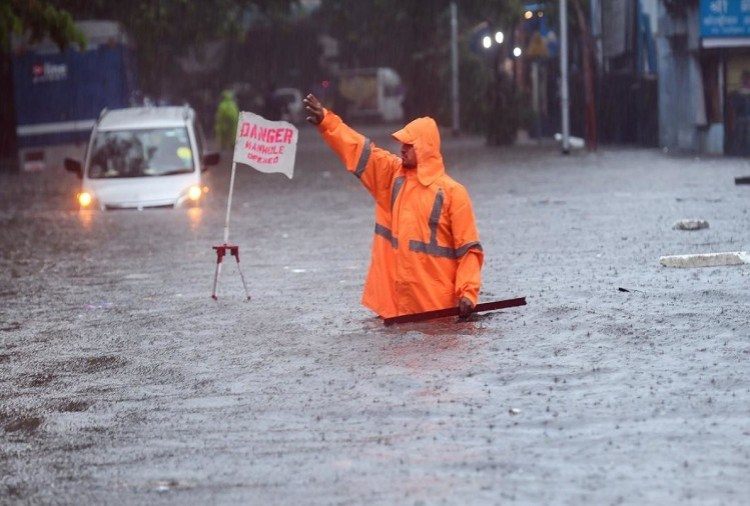 Weather News Monsoon Arrive In Mumbai Imd Says Rain In Bihar Rajasthan  Madhya Pradesh, Chhattissgarh Gujarat Mausam News - मौसम अपडेट : मुंबई में  मानसून की झमाझम बारिश, मध्यप्रदेश-बिहार में प्री ...