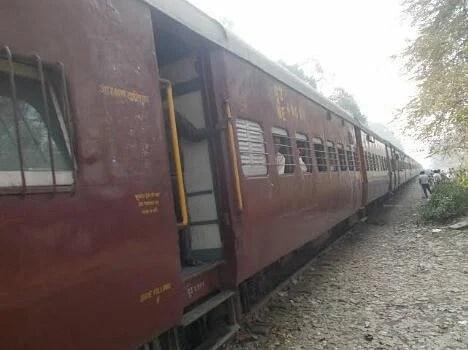 Eve teasing in train in ruhelkhand express.