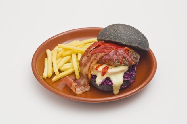 Parco - Venom Food - Venom Long Black Burger - 01