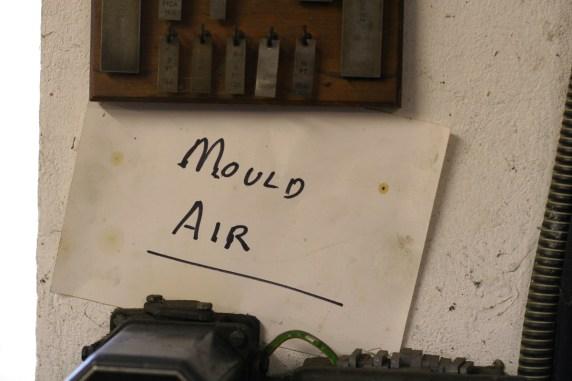 Mould Air at Whittington Press © Sarah Dixon 2015