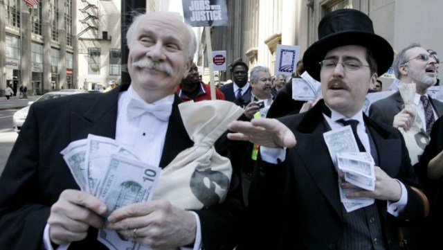 wall-street-bankers-690x389