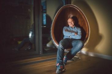 Porträt eines Manns im Freigeist Hotel beim PS-Speicher in Einbeck