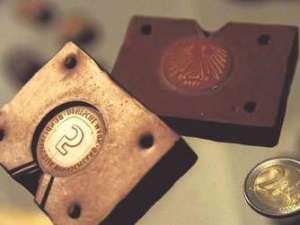 Spielautomaten Manipulieren mit gefälschter Münze