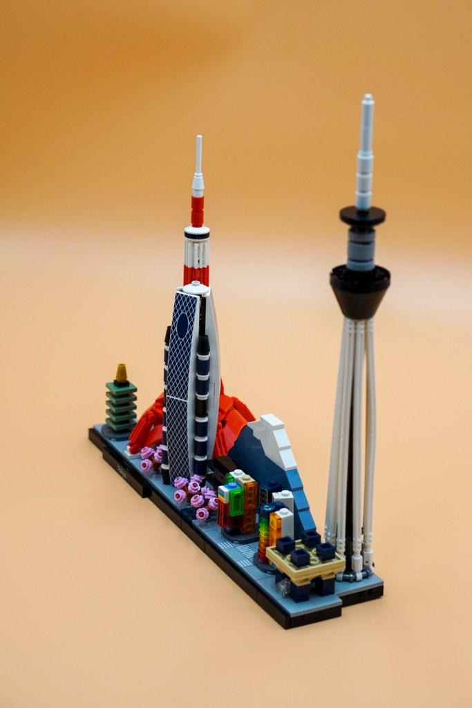Tokio Schräg