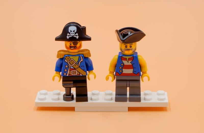 Piratenschiff Figuren 1 Front