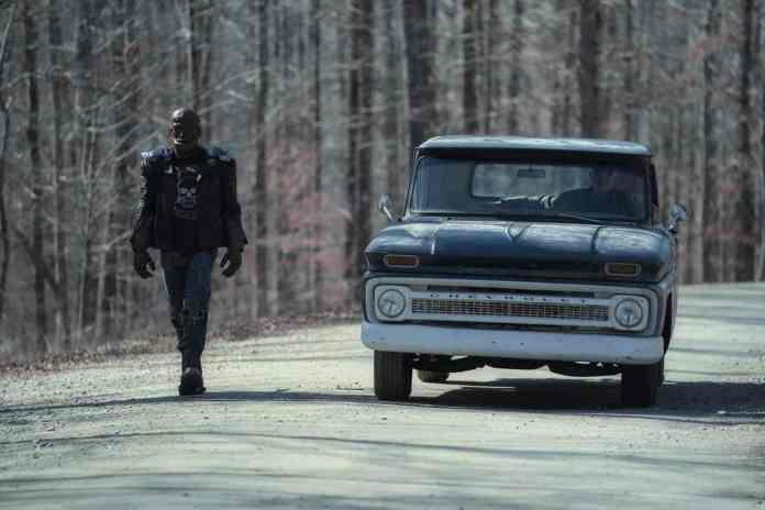Watch Doom Patrol Season 3 Episode 3 Online