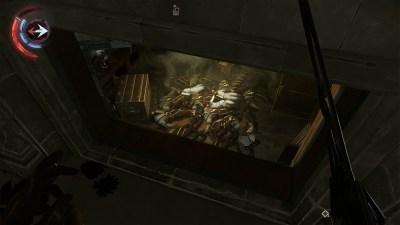 Åååh. Det er et vindu i likrommet mitt. Det forklarer hvorfor jeg stadig fikk besøk av nye vakter...