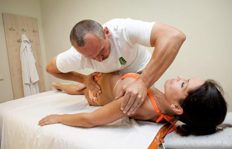 Мануальная терапия – метод, проверенный тысячелетиями. Поможет ли мануальная терапия позвоночника победить болезнь? Вредна ли мануальная терапия