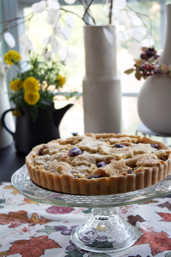 best apple desserts: apple grape tart