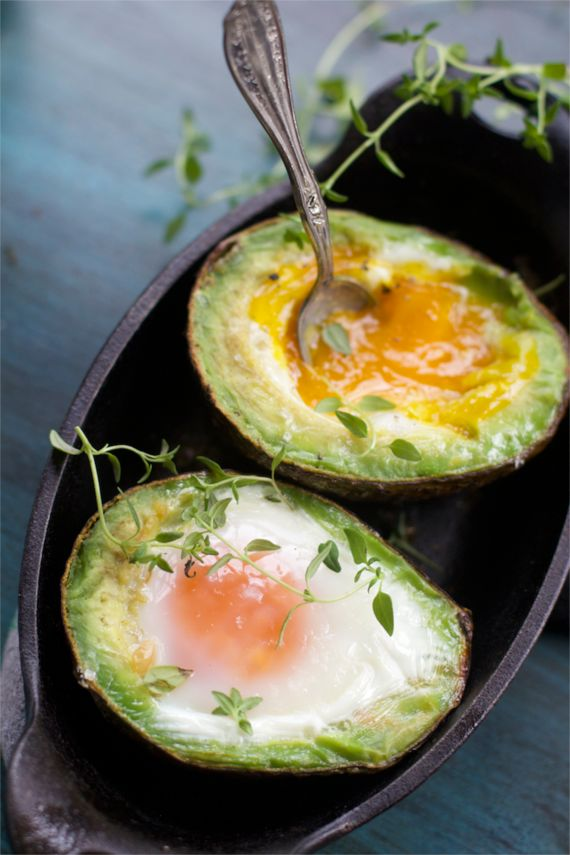 Avocado Egg with lime hollandaise sauce from Spinach tiger
